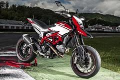 Ducati HM 821 Hypermotard SP 2015 - 10