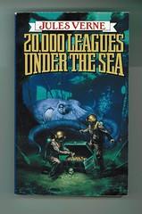 Đọc tiểu thuyết 2 vạn dặm dưới đáy biển và học tiếng Anh học thuật
