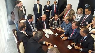 Sindicalistas discutem reformas com Renan Calheiros