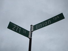 271st Street is the highest numbered street in New York City.  It intersects with Union Turnpike, a couple of blocks west of the Queens-Nassau border.  (05/29/17, IMG_4369)
