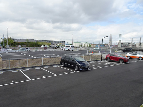 FLYSTATIONの駐車場