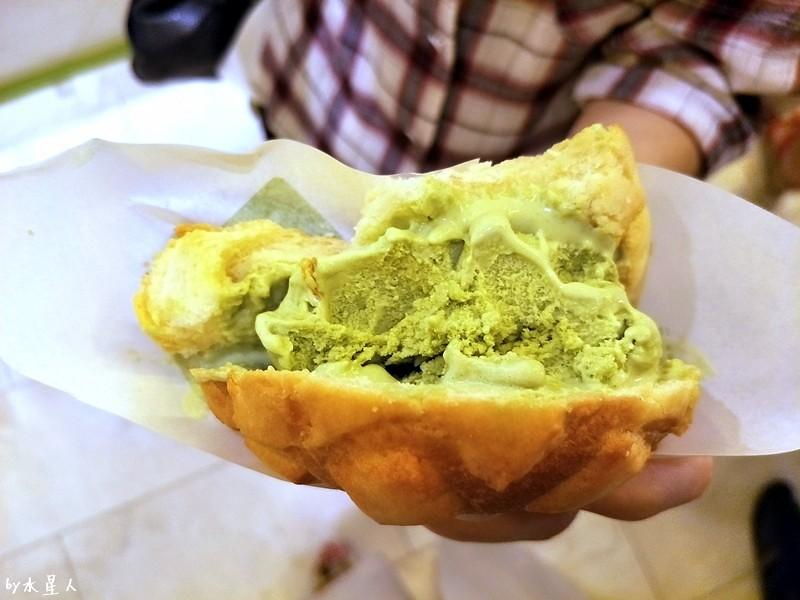 35254467455 d15f275e36 b - 台中【世界第二好吃的現烤冰淇淋菠蘿麵包】外酥內軟冰火雙享受(已歇業)
