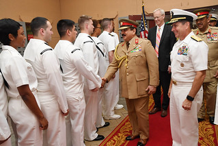Hamad bin Isa Al Khalifa, the King of the Kingdom of Bahrain, shakes hands with Sailors.