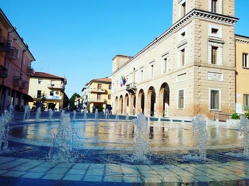 Restyling Piazza Bernardi, i commenti dei commercianti e cittadini