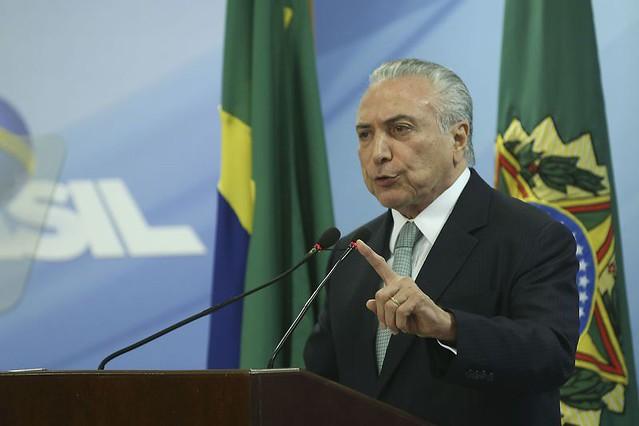 Operação que denunciou Temer e Aécio expõe racha entre mentores do impeachment