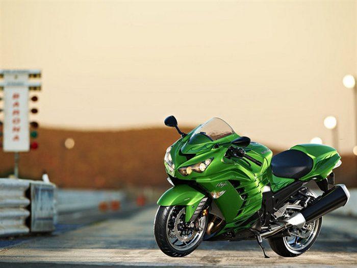 Kawasaki 1400 ZZR 2019 - 26