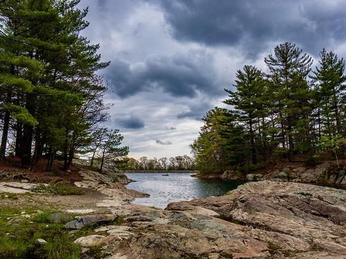 hiking resevoir boston newengland nature middlesexfells massachusetts medford hike