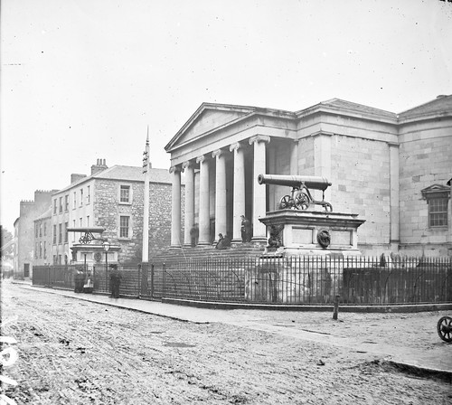 thestereopairsphotographcollection lawrencecollection stereographicnegatives jamessimonton frederickhollandmares johnfortunelawrence williammervynlawrence nationallibraryofireland building cannons plinths steps columns collonade tralee countykerry court courthouse cannon ashestreet crimea india plaque crimeanwar indianrebellion locationidentified