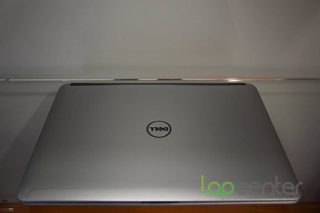 DELL LATITUDE E6440 I5 4 GB RAM 320 GB HDD WIN7