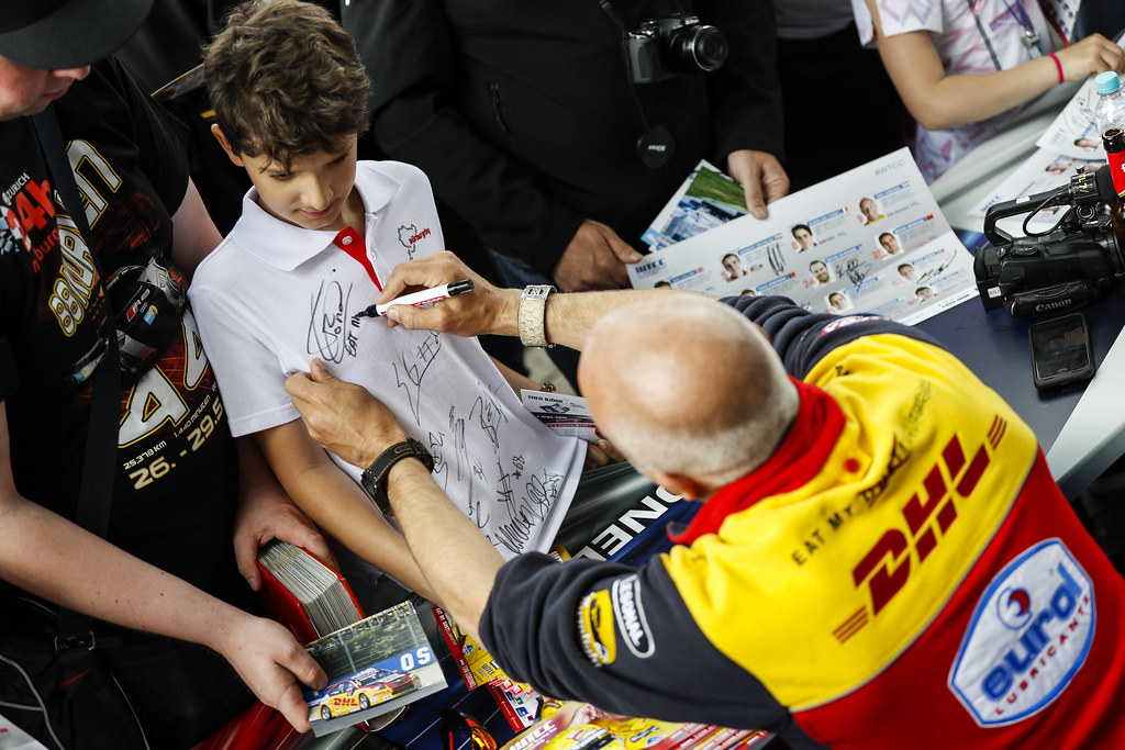 CORONEL Tom (ned), Chevrolet RML Cruze team ROAL Motorsport, ambiance portrait autograph session during the 2017 FIA WTCC World Touring Car Race of Nurburgring, Germany from May 26 to 28 - Photo Florent Gooden / DPPI