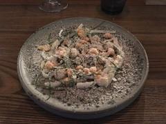 Svensk bläckfisk med rättika, ostronkräm och lagrad fetaost