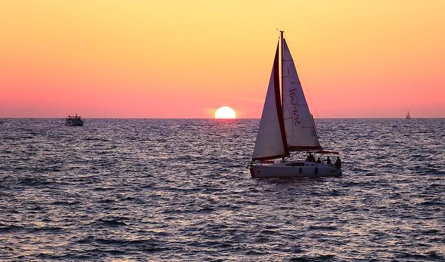 Sailing at sunset - Hertzelia beach