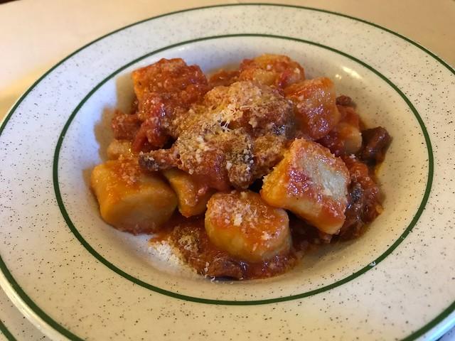 Gnocchi di patate all'Amatriciana - Trattoria Sora Lella
