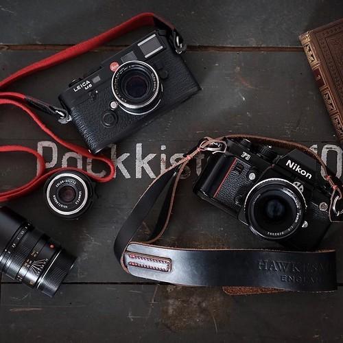 A couple of lovely cameras here: Leica M6 and Nikon F3 with our Westminster camera strap. Nice collection @bokeh_licious 👌