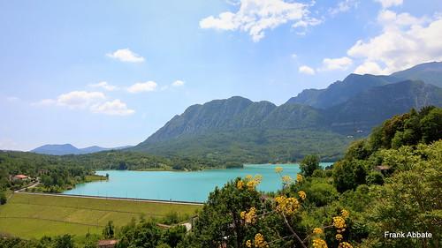 lago lake castel san vincenzo isernia molise sud italia southern south italy canon eos 80d montagne mountains