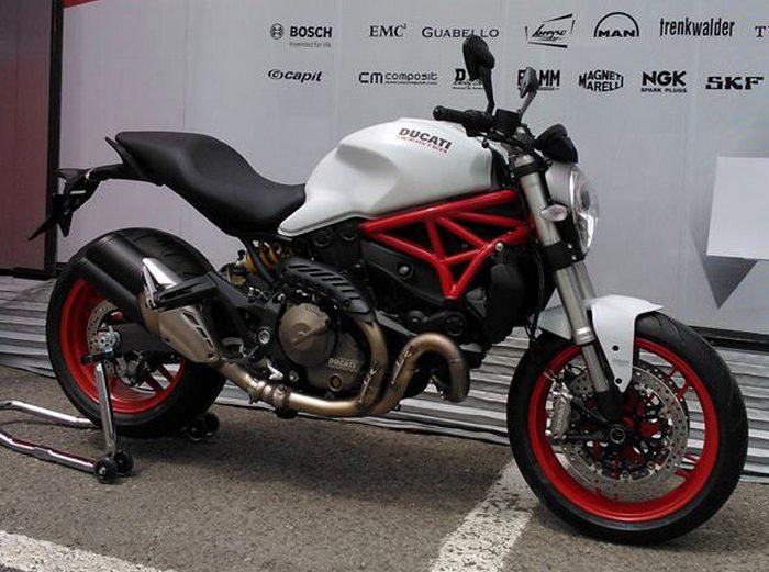 Ducati 821 Monster 2014 - 20