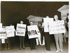 Unemployed group pickets the White House: 1939