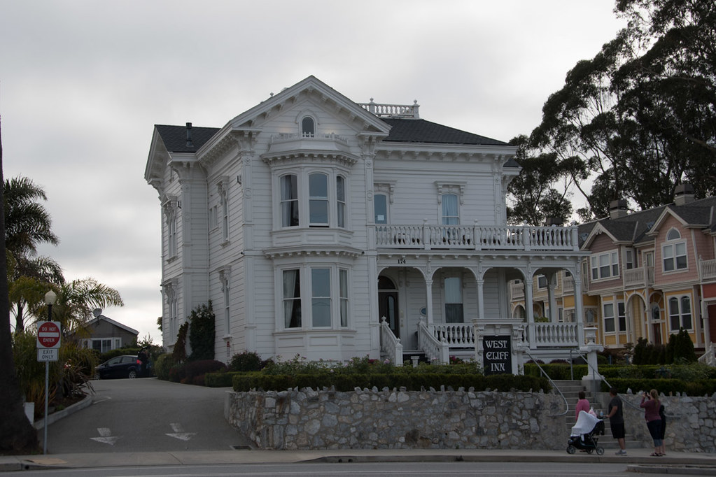Exterior of West Cliff Inn | Santa Cruz | Hotel Review