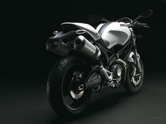 Ducati 696 MONSTER 2008 - 20