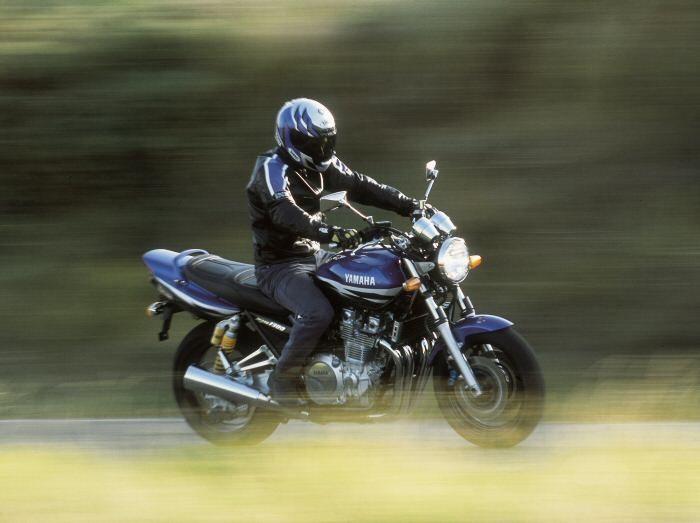 Yamaha XJR 1300 2000 - 15