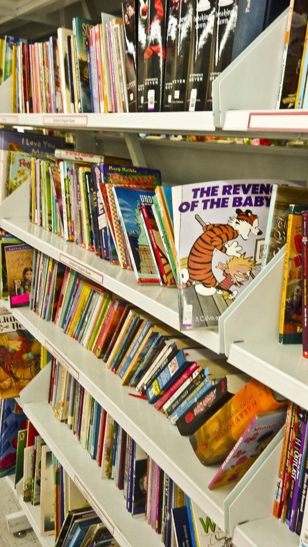 在你讀書的時候,你的孩子也在邊上跟你一起看書嗎?(Peakpx)