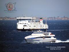 Traghetti nello Stretto - (Foto del Mese n. 86 - Giugno 2017)