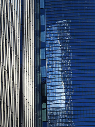 2016houstonweekend houston houstontx texas usa outdoor street streetviews streetscene streetlife building buildings skyscrapers highrise architecture reflection glass blue skyscraper city tower