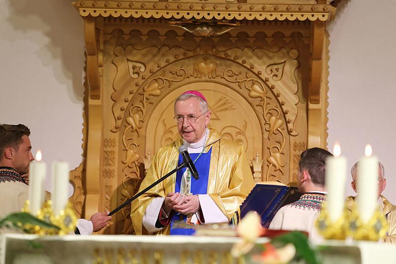 Các Giám Mục, tổng thống và thủ tướng dâng hiến Ba Lan cho Trái Tim Vô Nhiễm Đức Mẹ