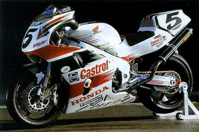 Honda RVF 750 R - RC 45 1994 - 21