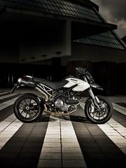 Ducati HM 796 Hypermotard 2010 - 4
