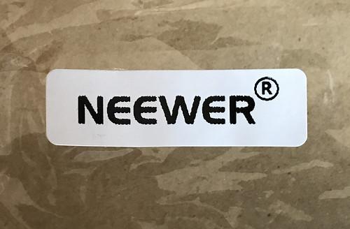 NEEWERの封筒