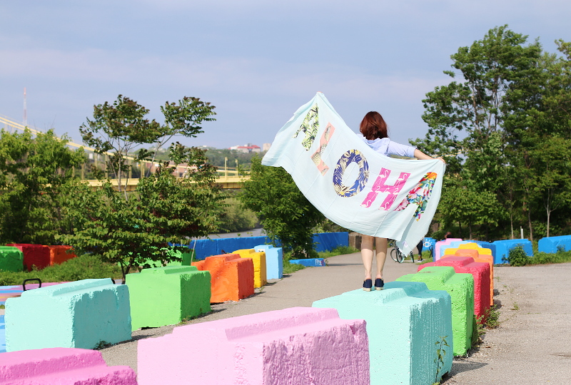 colorful-blocks-aloha-scarf-1