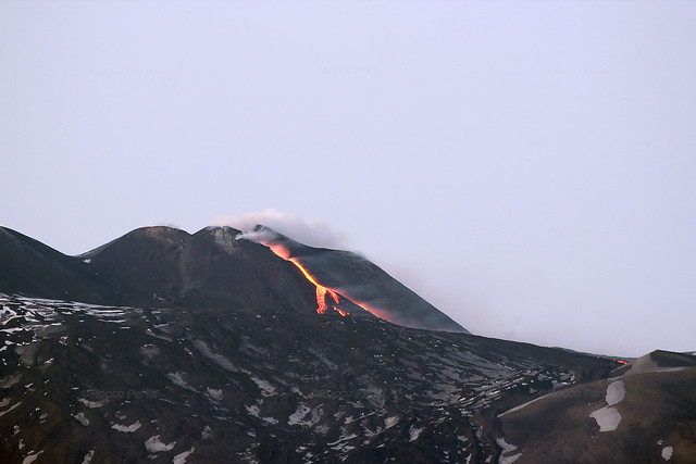 2017 Eruzione Etna 19_04_2017 MG_5604 with Sigma 70-300 f4-5.6 APO DG zoom lens + 600D
