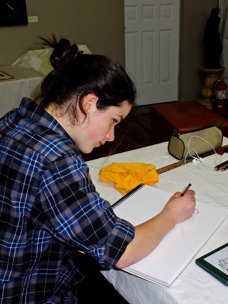 Art Supplies For Drawing Class