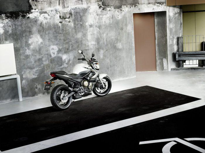 Yamaha XJ6 600 2013 - 10