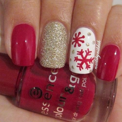 DIY Ideas Nails Art : Snowflake nails...https://diypick.com/beauty/diy-nails-art/diy-ideas-nails-art-snowflake-nails/