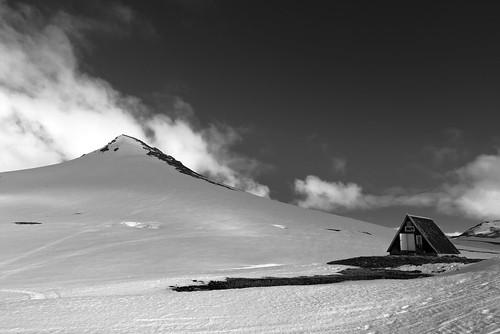 mountain landscape snæfellsjökull iceland refuge clouds snow contrast blackandwhite fog mist house home nature sky islandia black dark explore cielo paisaje