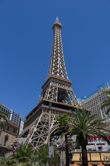 Eiffel tower has moved to Vegas!