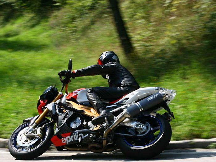 Aprilia TUONO 1000 R FACTORY 2007 - 10
