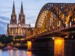 Hohenzollernbrücke u. Dom 01
