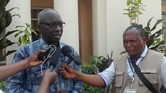 Tshikapa, Kasai, RD Congo : Le Conseiller sp�cial du Secr�taire g�n�ral des Nations Unies pour la pr�vention du G�nocide, Adama DIENG face � la presse � Tshikapa (Kasai)