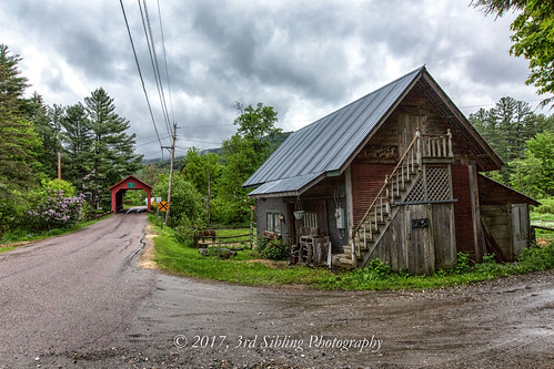 don3rdse 3rdsiblingphotography canon canon5d 5dmkiii eos may 2017 northfieldfalls vt vermont greenmountains scene scenic mountains coveredbridge landscape hdr clouds sky green trees architecture bridge 1872 coxbrook dogriver