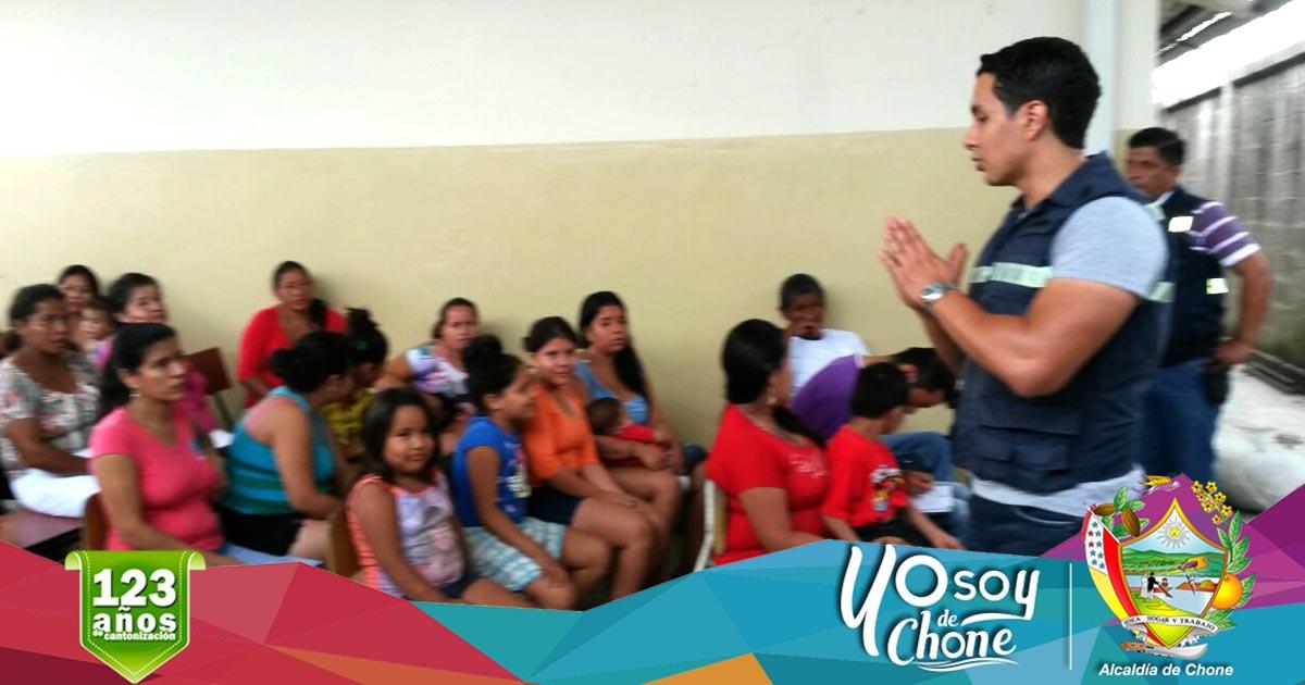 Alcaldía de Chone capacitó a padres de familia de institución educativa