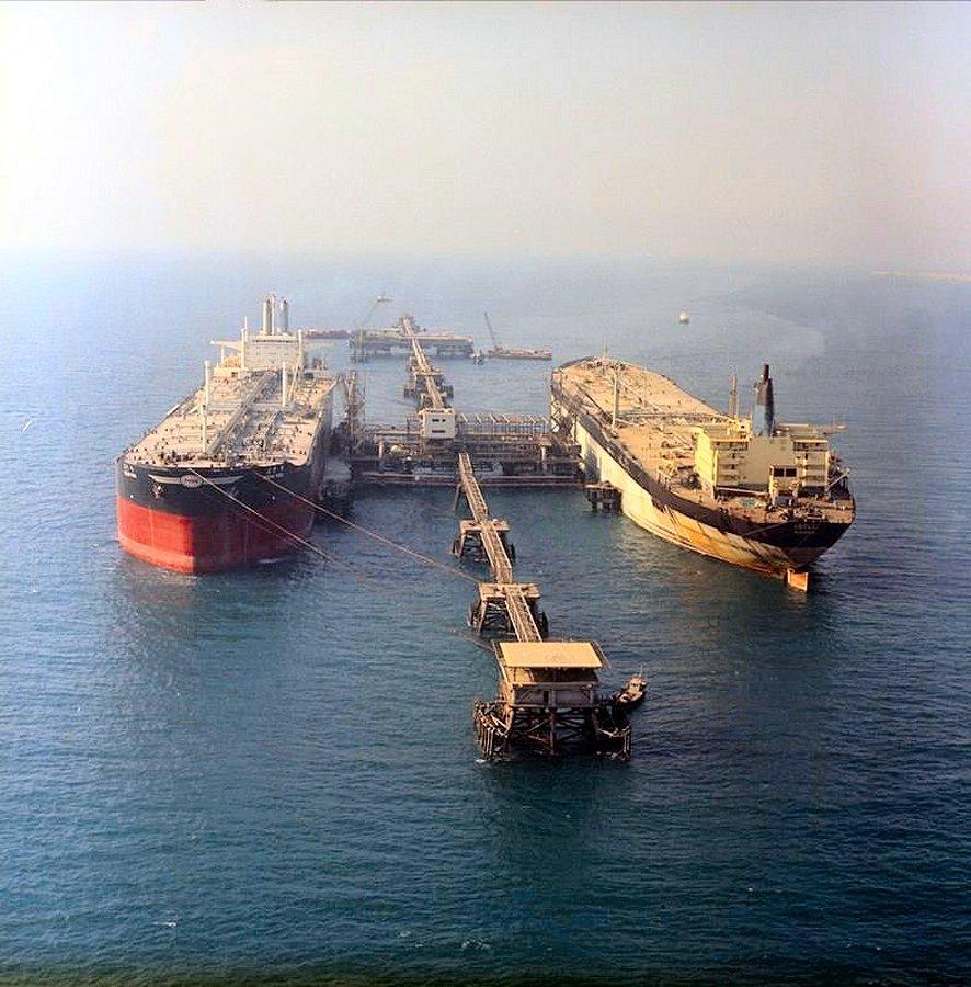Left OCEAN PARk right ADELE ex Rasmine Maersk_zps3dxgdnut