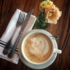Iris cafe no 9