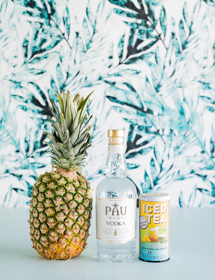 Boozy Pineapple Sweet Tea Ice Pops www.pineappleandcoconut.com