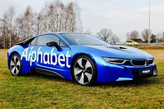 Carwrap blue chrome BMW i8