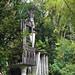 edward james surrealist garden 4 por ikarusmedia