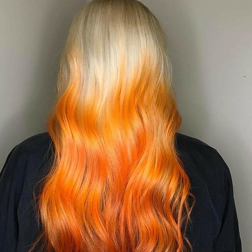 This #haircolor is on #fire !!!😍🔥#handpainted by Kaylie @wrightstyle901
