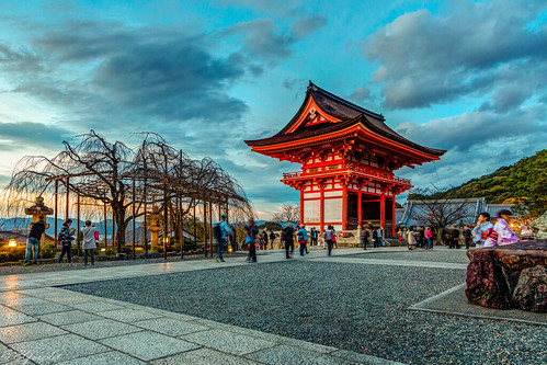 kyoto buddhism asia travel city kiyomizu temple japan autumn kyōtoshi kyōtofu япония jp